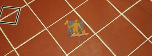 cleaned quarry tiles with white cleaned_grout_lines